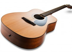 Test de la Yamaha F310 – Guitare Folk Acoustique